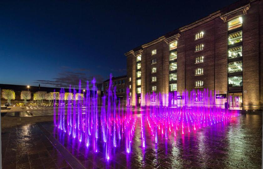 granary square fountains