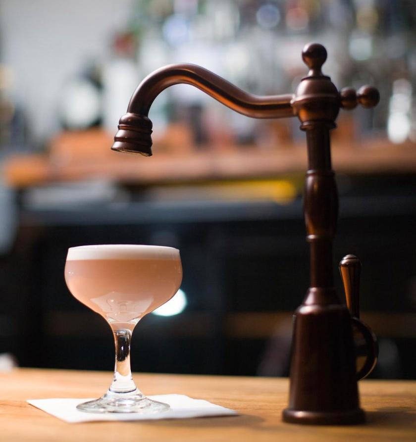 Bramble Edinburgh cocktail