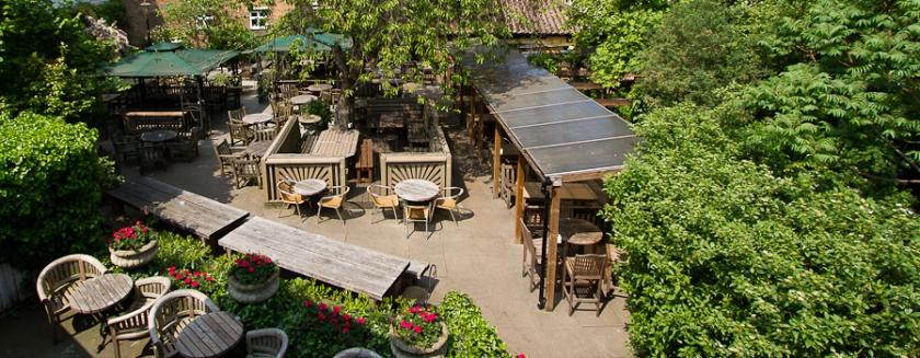 The Spaniards Inn Hampstead beer garden
