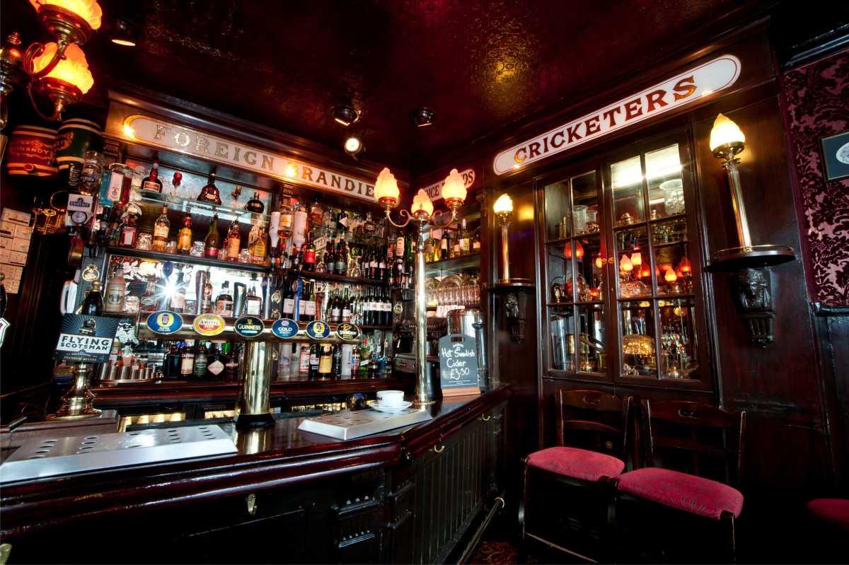 The Cricketers Brighton bar