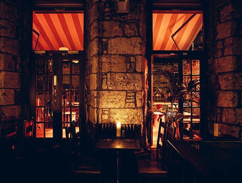 Chinaski's Glasgow interior