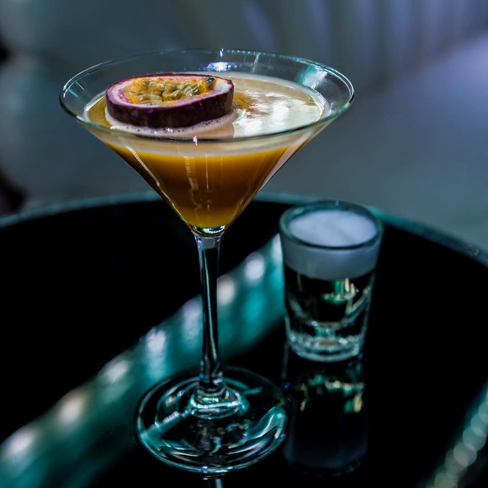 https://bestbars.com/2014/02/11/barts-secret-bar-sloane-avenue-chelsea/
