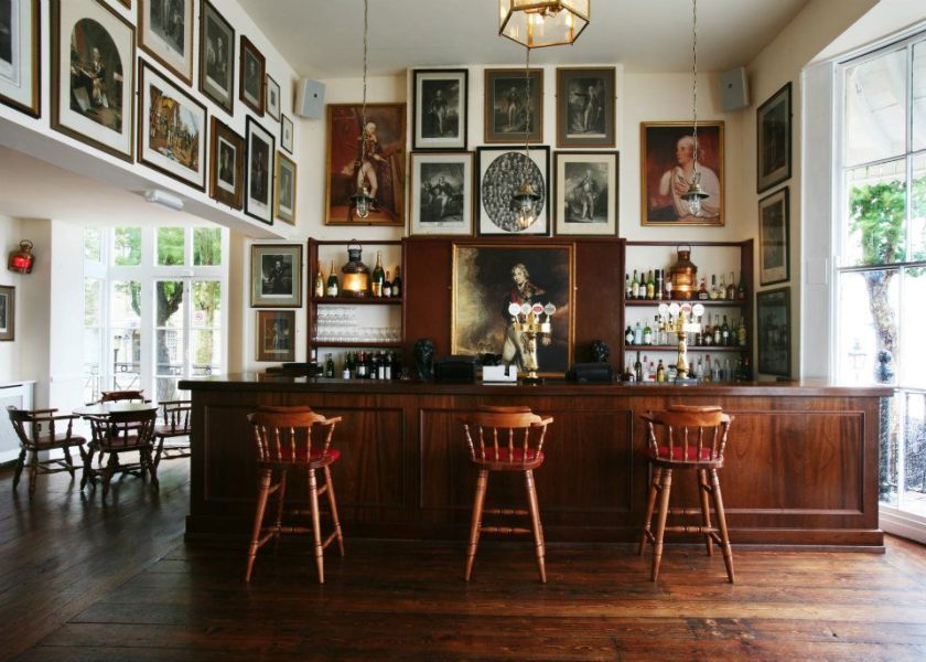 Trafalgar Tavern bar