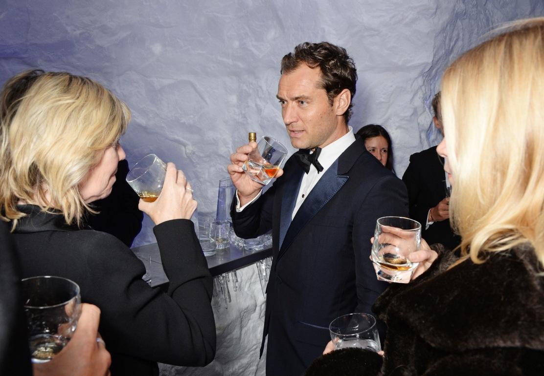 Jude Law JOHNNIE WALKER BLUE LABEL Presents SYMPHONY IN BLUE